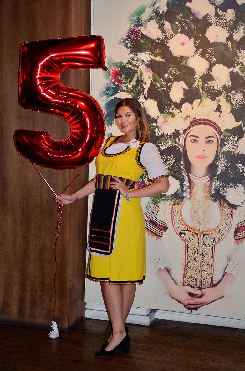 празненство 5 години ресторант МоМа хостеса